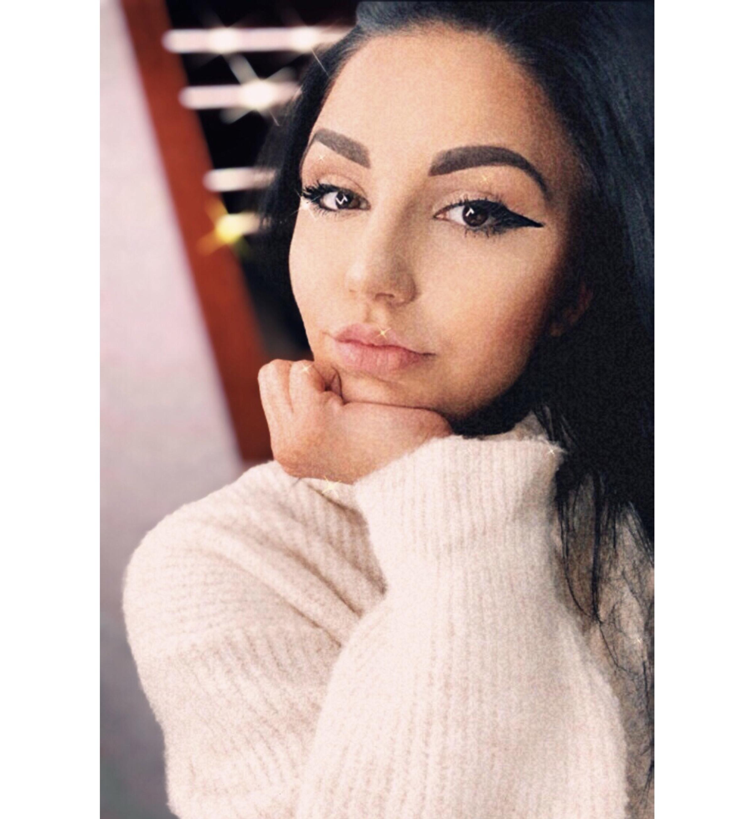 GLX2196B.Alexandra Catuti