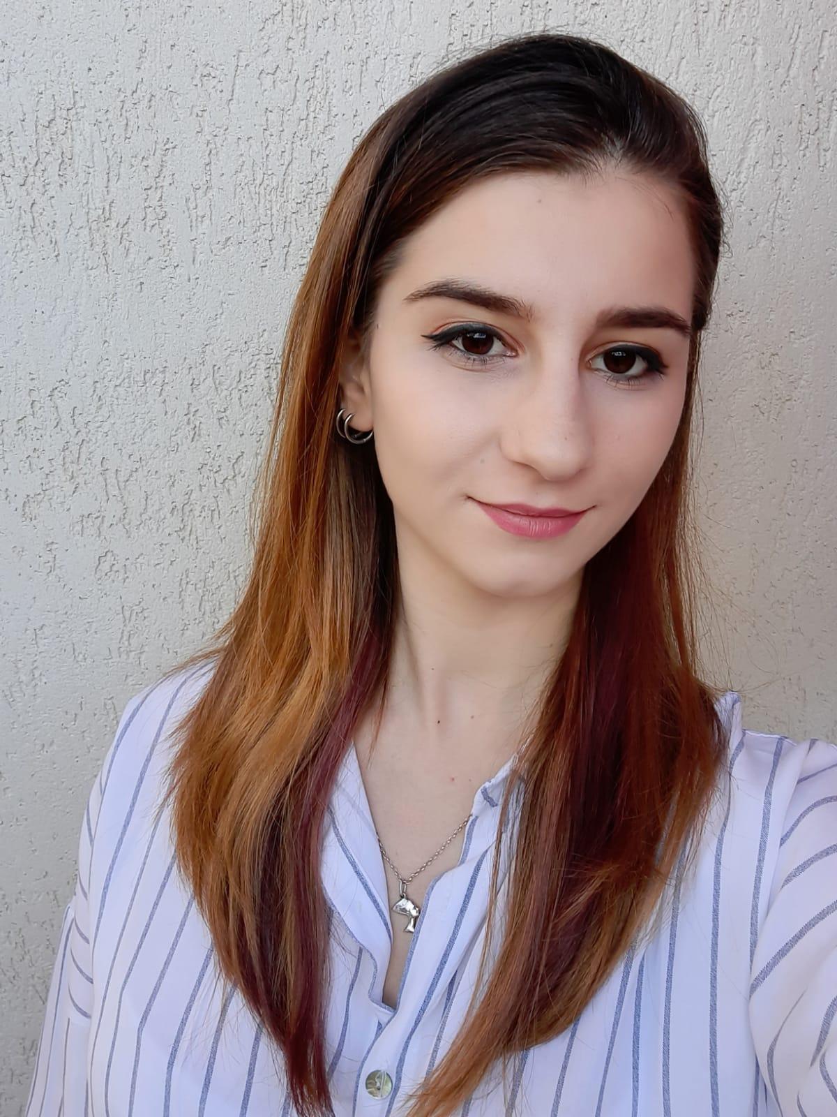 GLX2220B.Adriana Alice Tita