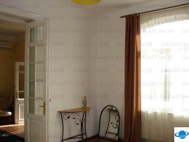Inchiriere casa 4 camere, in Ploiesti, zona Centrala