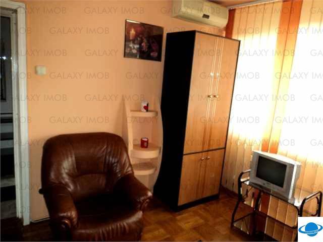 Inchiriere apartament 2 camere, Ploiesti zona Democratiei