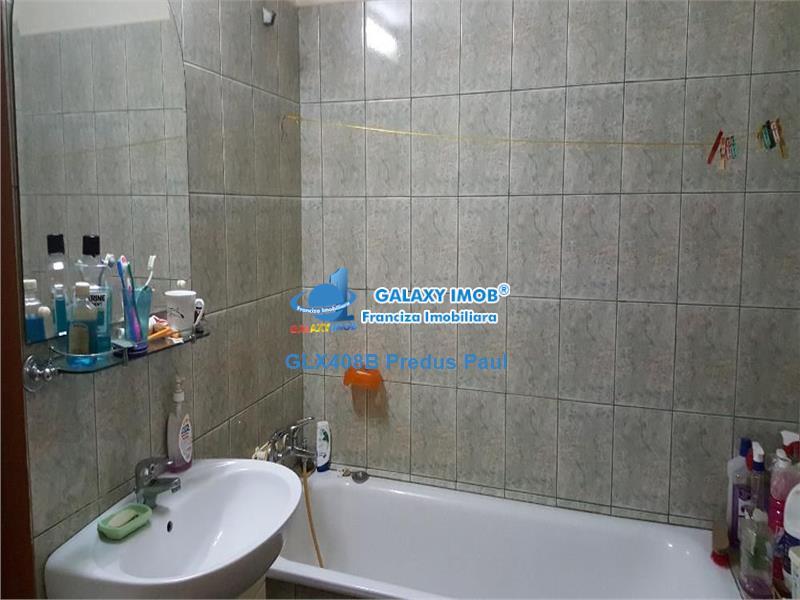 Apartament 2 camere de vanzare Rahova - Trafic Greu