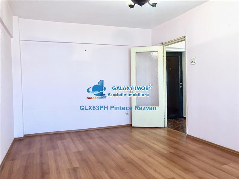 Apartament 3 camere, 2 gr. sanitare, nemobilat, ultracentral, Ploiesti