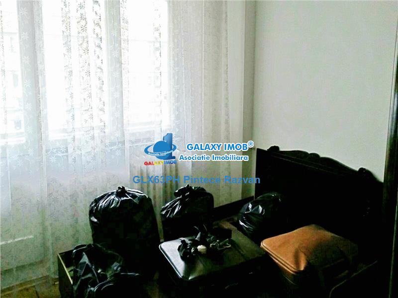 Apartament 3 camere, decomandat, ultracentral, bloc Unirea, Ploiesti