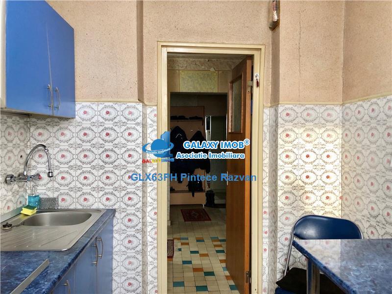 Apartament 3 camere, decomandat, zona Republicii, Ploiesti