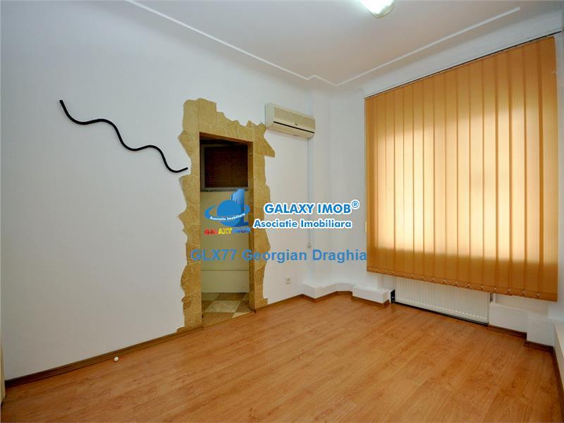 Apartament 3 camere pretabil birouri Piata Victoriei