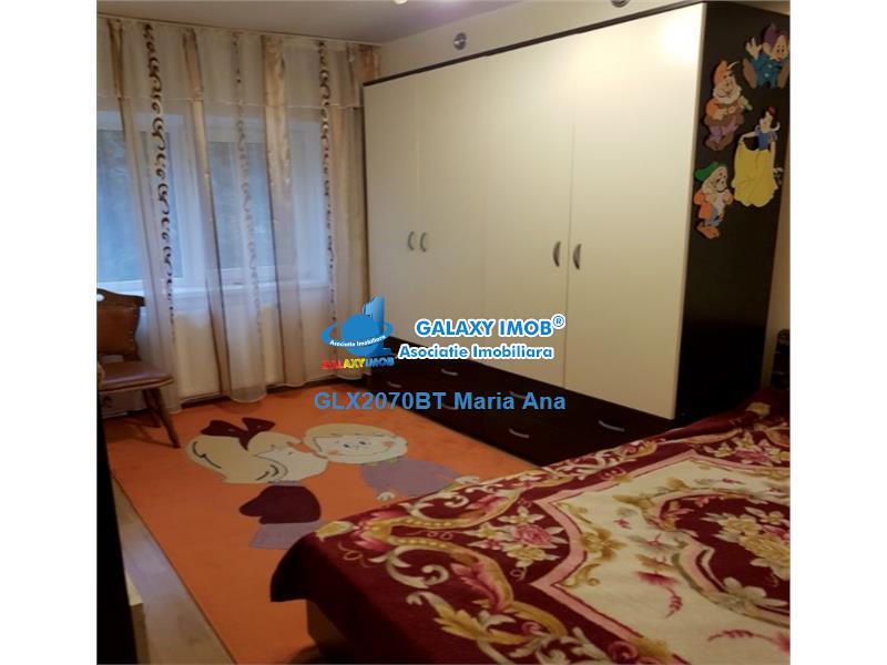 Apartament 3 camere,renovat- mobilat, etaj 1, Curcubeului !