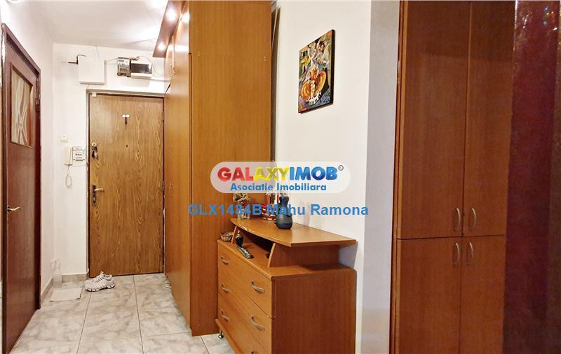 Apartament 3 camere, renovat, parcare, zona verde TITAN, 1 Decembie