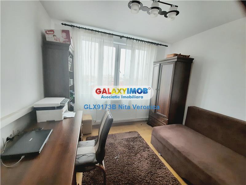 Apartament 3 camere spatios, mobilat si utilat, pozitie buna, parcare