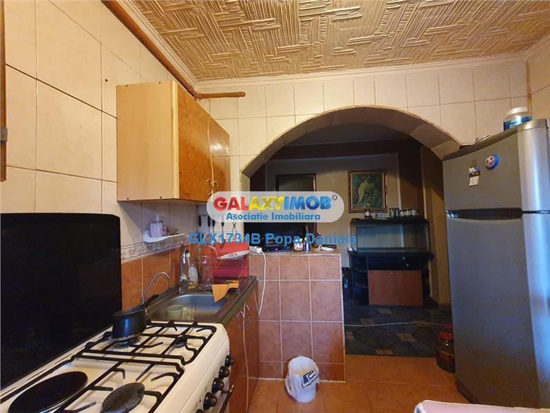 Apartament 4 camere, etaj 1,bloc 1982, Berceni-Metrou Piata Sudului
