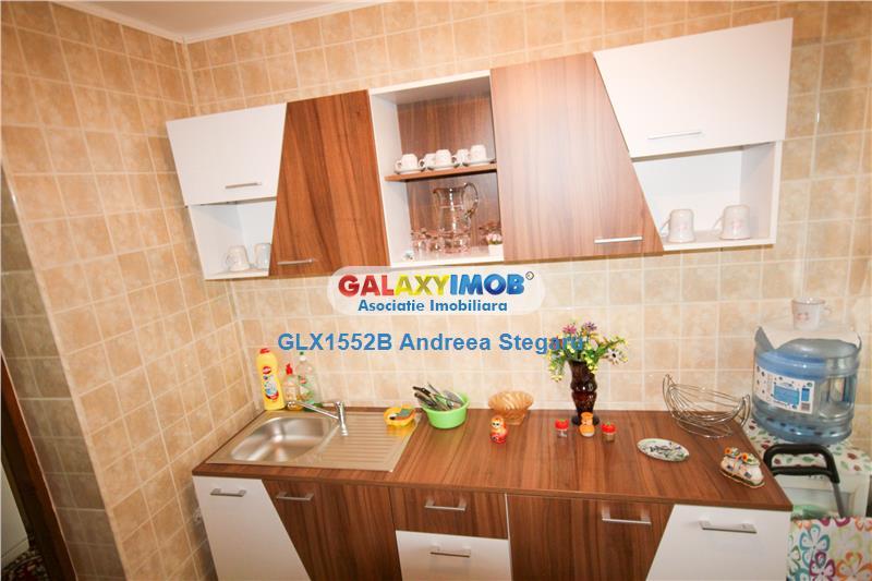 Apartament cu 3 camere de vanzare in Drumul Taberei - Dealul Macinului
