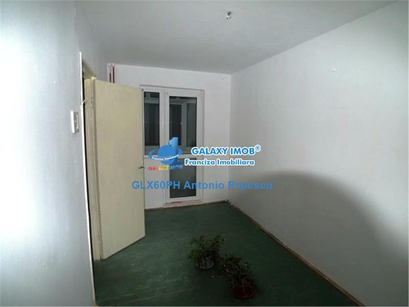 Apartament de vanzare, in Ploiesti, zona Vest, semidecomandat.