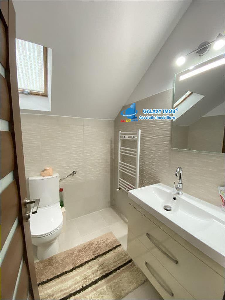 Casa cu 4 camere de vanzare, partial mobilata, in Livezeni