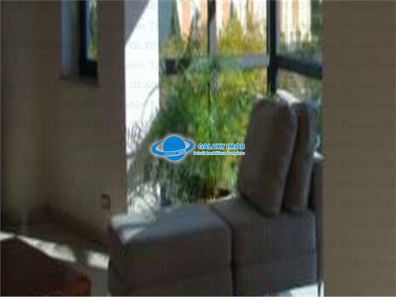 De vanzare/inchiriere penthouse de lux zona semicentrala