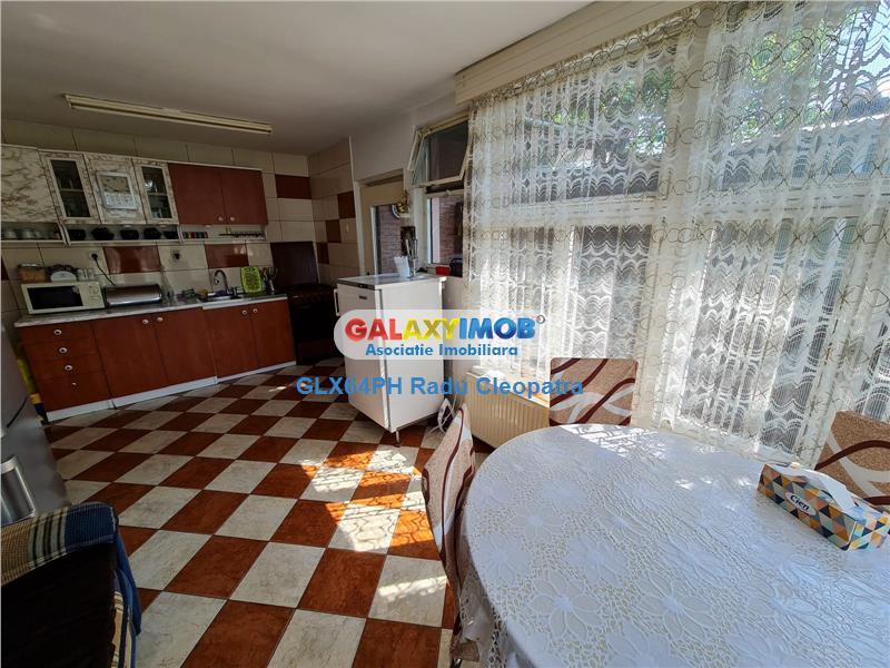 Vanzare casa 2 camere, Ploiesti, zona Mihai Bravu