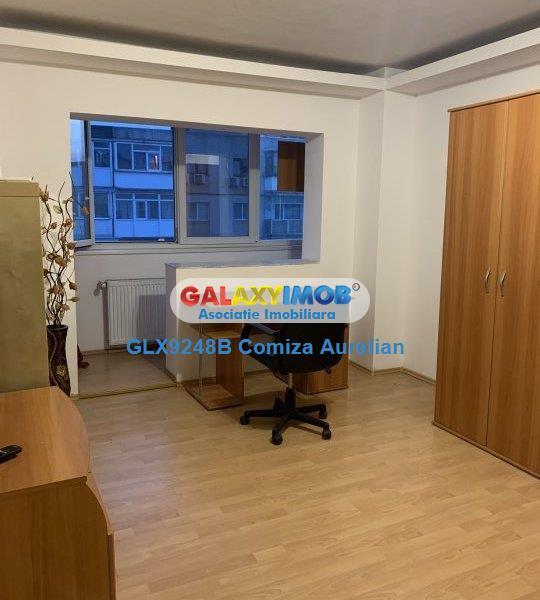 Apartament 3 camere decomandat Piata Gorjului/Moinesti etaj 9