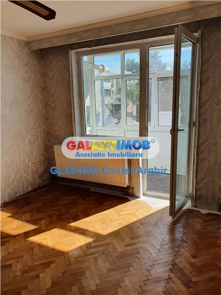 Vindem 3 camere etaj 3, in Calea Bucuresti , langa Piata Ceair