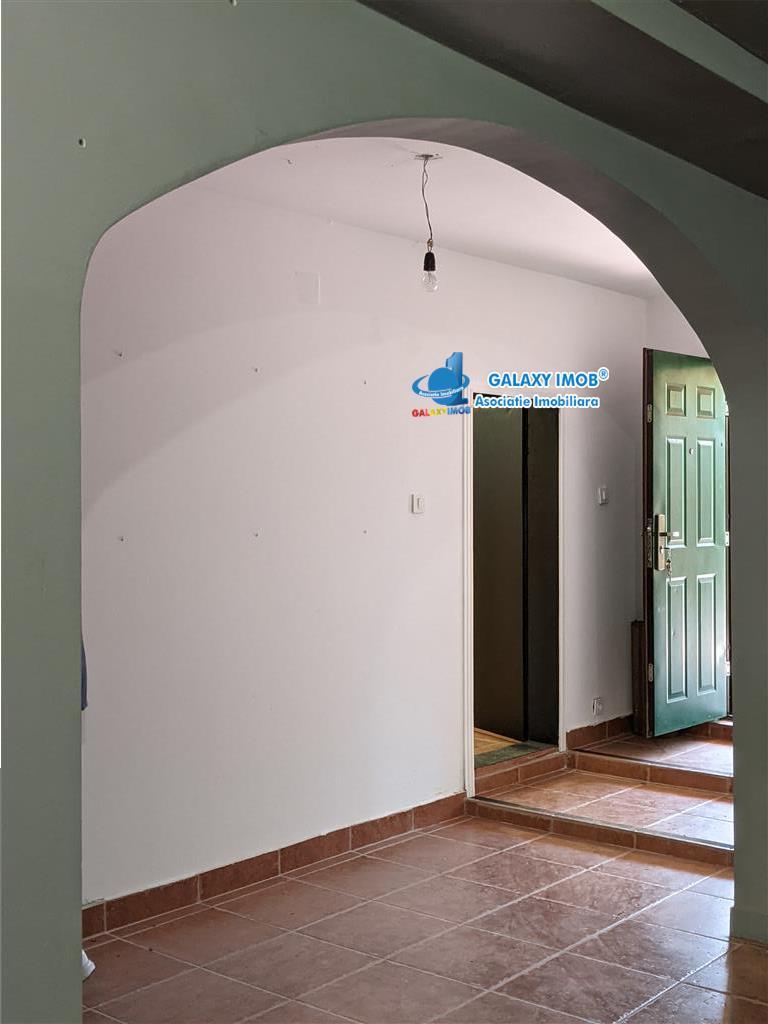 Conetu-Mihăilesti ,vilă P+2 , 8 camere,teren 1200 mp