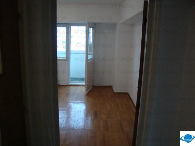 Apartament 3 camere de inchiriat, zona Decebal