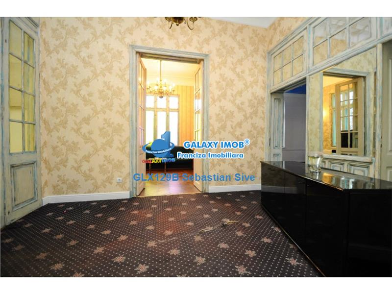 Inchiriere casa cu 6 camere, 201 mp si curte de 160 mp, Gara de Nord