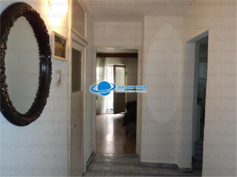 Vanzare apartament 3 camere, in Ploiesti, zona Cioceanu