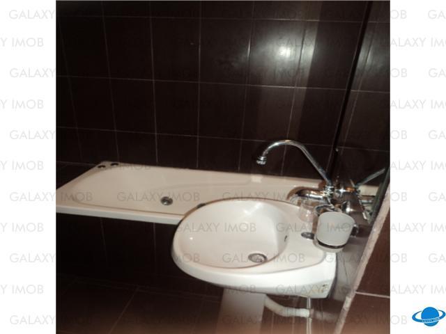 Oferta vanzare apartament 3 camere Ploiesti, zona Mihai Viteazul.
