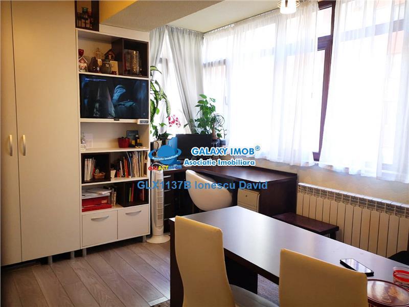 Apartament cu parcare si boxa, 800 m metrou Aurel Vlaicu
