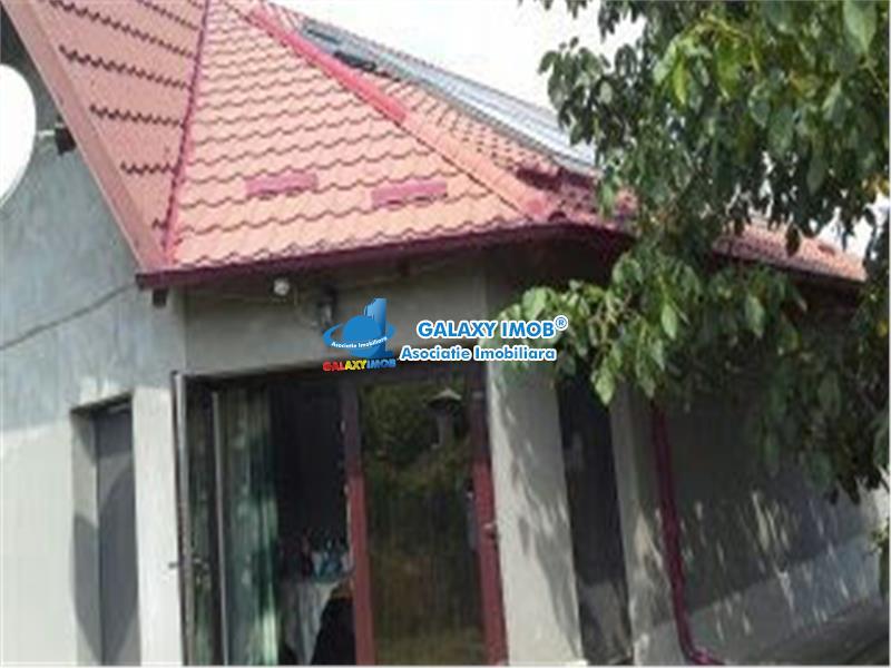 Casa 6 camere de INCHIRIAT in Lucieni