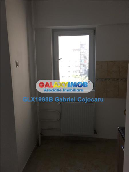 garsoniera Bd.Chisinau -Miramar bloc 1982  et 5