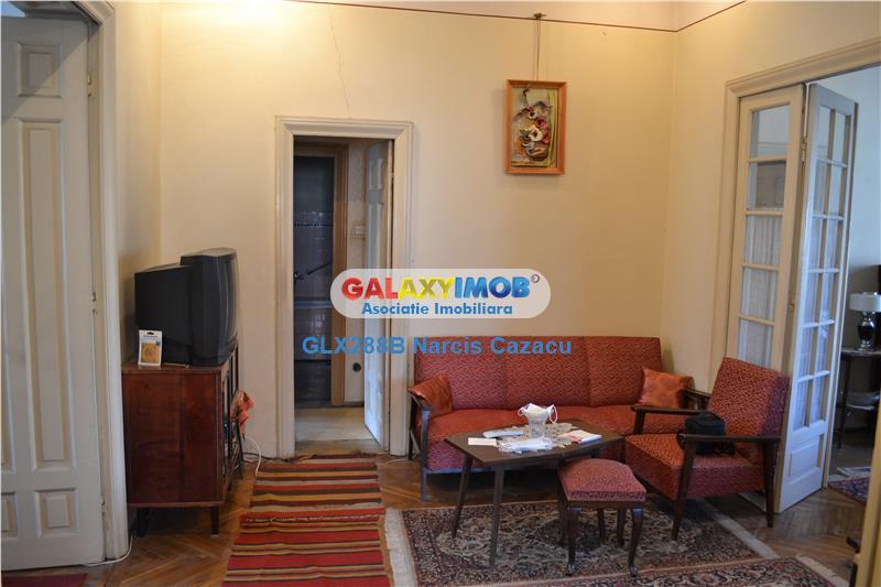 Dacia Toamnei vanzare apartament 4 camere etaj 1 acces stradal, garaj