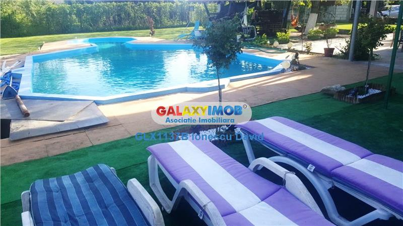 Casa de vanzare cu piscina si curte generoasa 1300 mp
