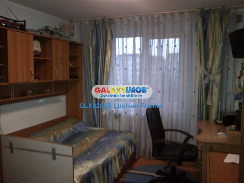 Apartament 4 camere - centrala proprie - parcare ADP - Dristor