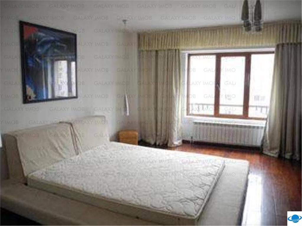 Inchiriere apartament 3 camere  Calea Calarasilor Lux
