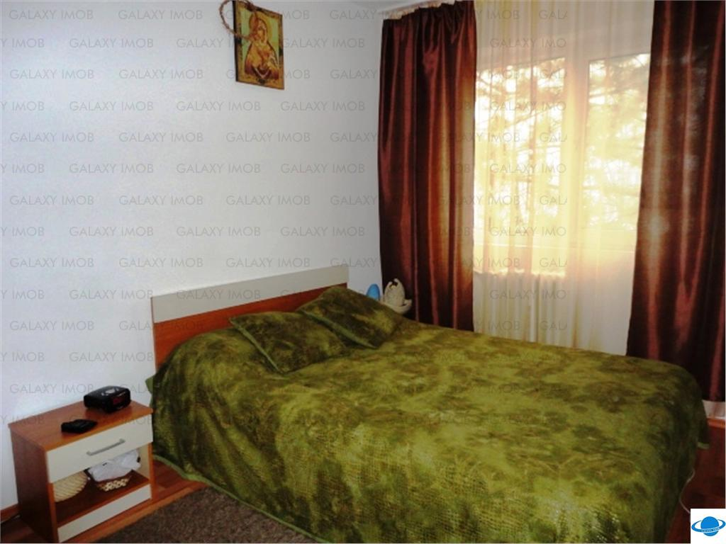 Inchiriere apartament 3 camere, in Ploiesti, zona Vest