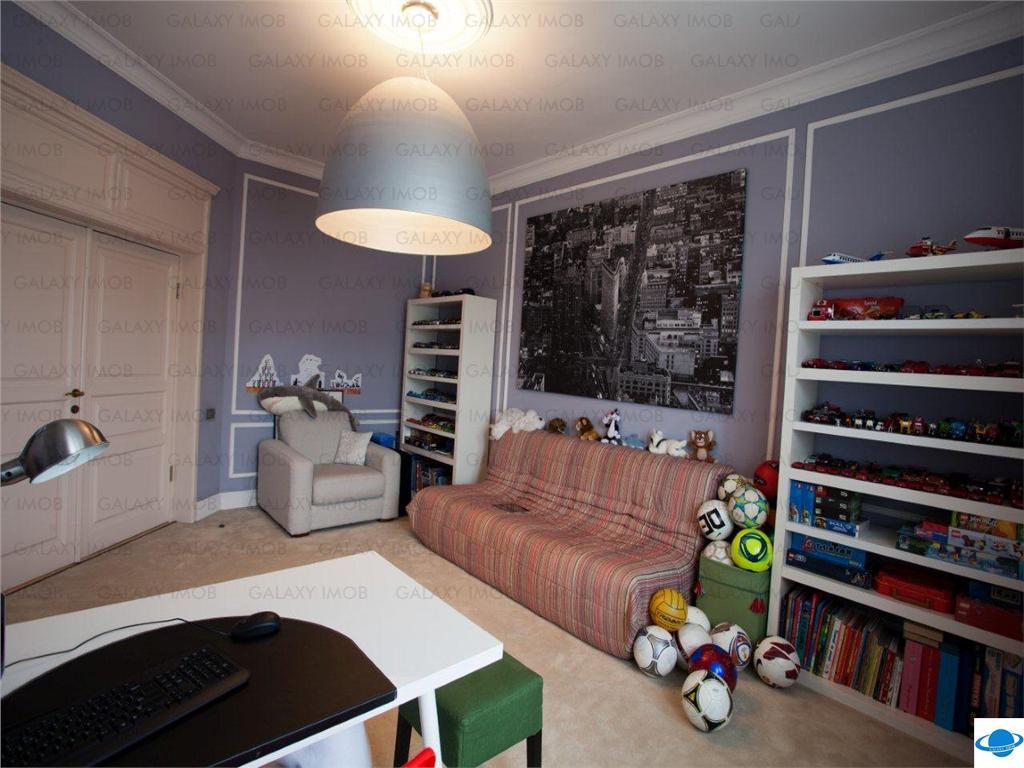 Vanzare apartament  lux 4 camere Primaverii Televiziune