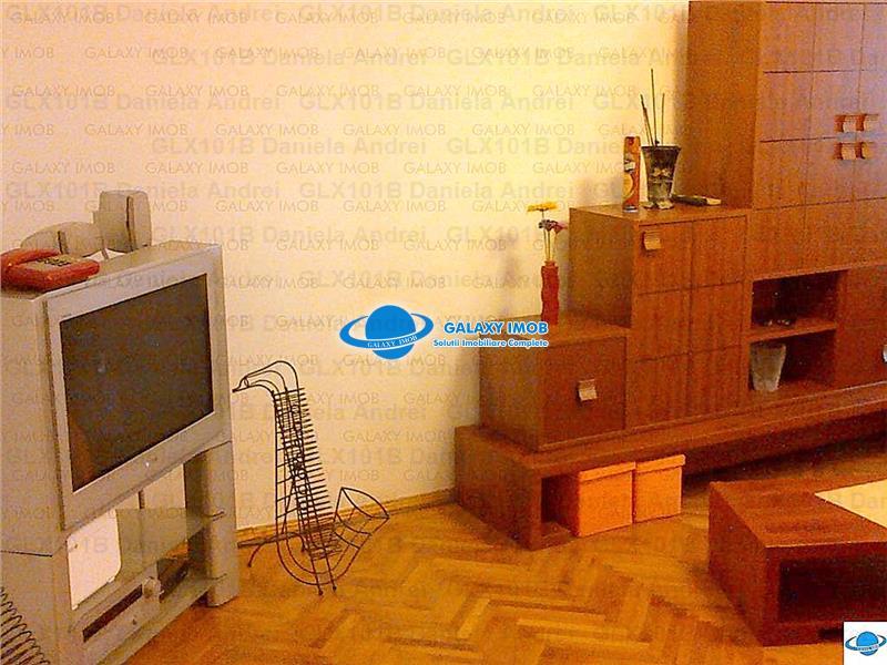 INCHIRIERE APARTAMENT 3 CAMERE,ZONA FLOREASCA 450 euro negociabil