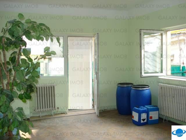 Spatiu birouri la casa de  inchiriat Ploiesti 4  camere stradal