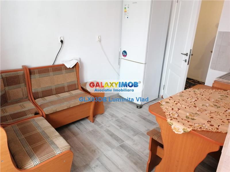 Inchiriere apartament 3 camere decomandat Targoviste Centru