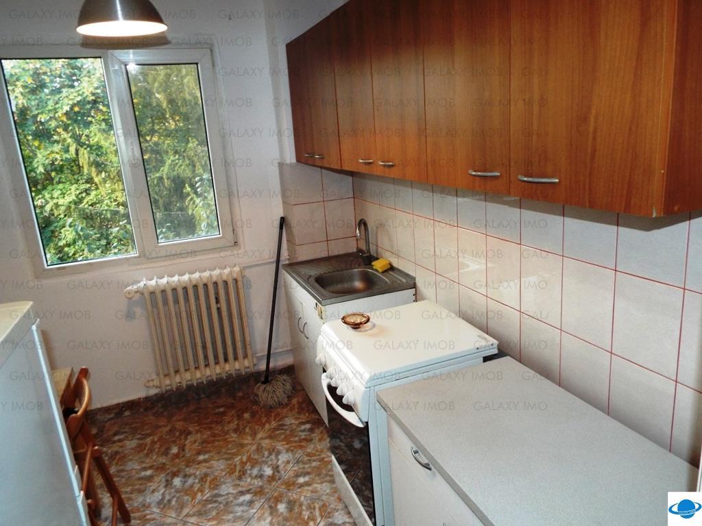 Inchiriere apartament 4 cam C-tin Brancoveanu