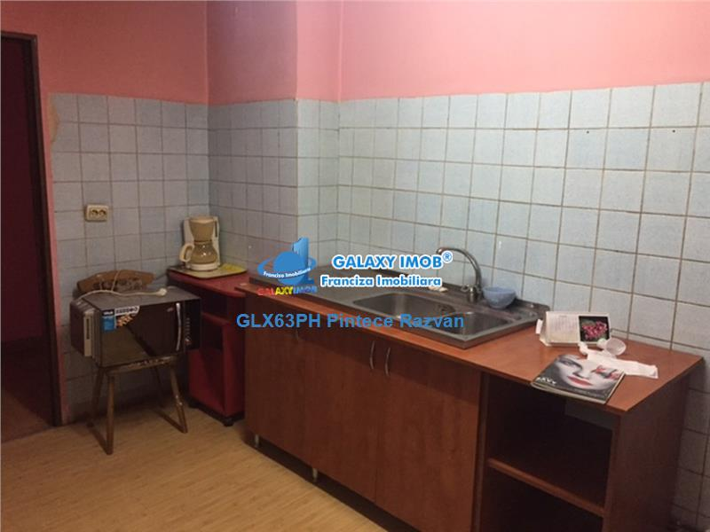 Apartament 4 camere, decomandat, 93 mpu, stradal Cantacuzino, Ploiesti
