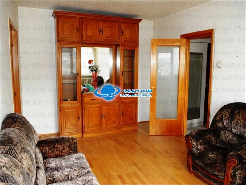 Inchiriere apartament cu 3 camere C-tin Brancoveanu