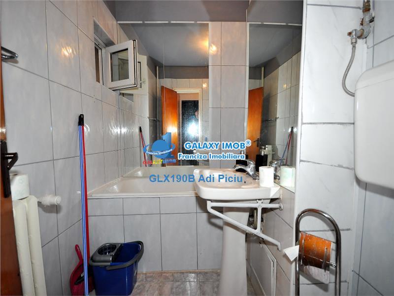 Inchiriere apartament cu 3 camere Metrou Tineretului