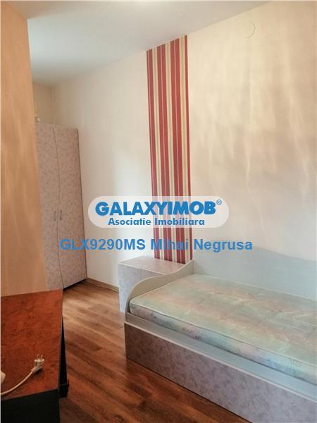 Inchiriere apartament cu 3 camere, mobilat si utilat, zona Platou