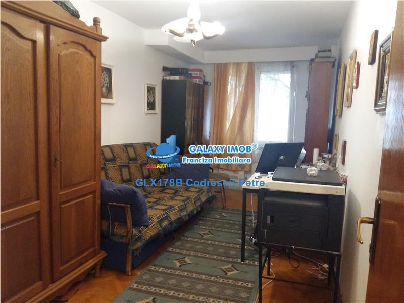 Oferta apartament 4 camere, Crangasi, Ceahlau