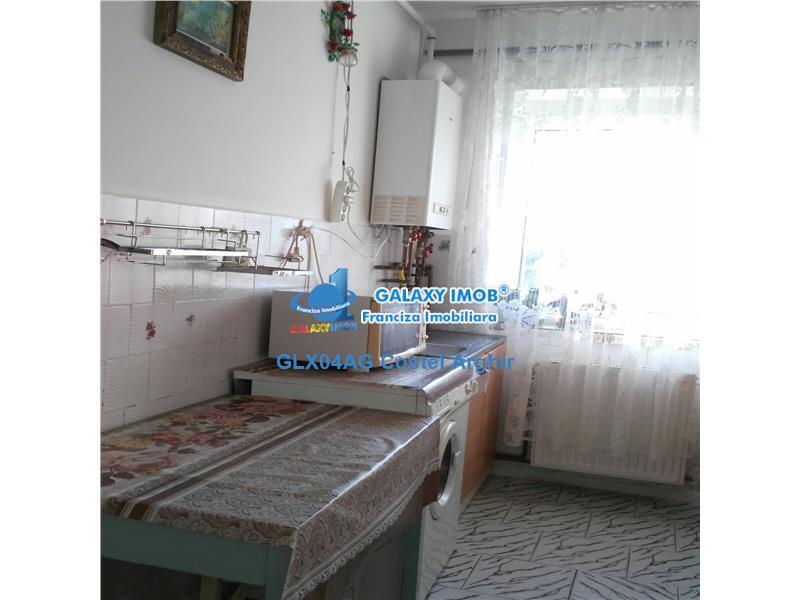 Vand apartament 2 camere, decomandat Trivale