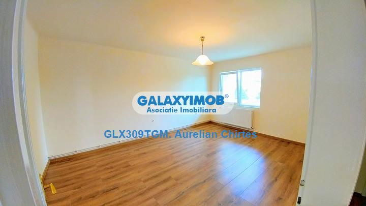 Vand apartament 4 camere pe 2 nivele in casa in Reghin