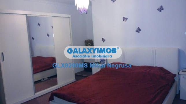 Vand casa cu 4 camere situata in zona Cetatii