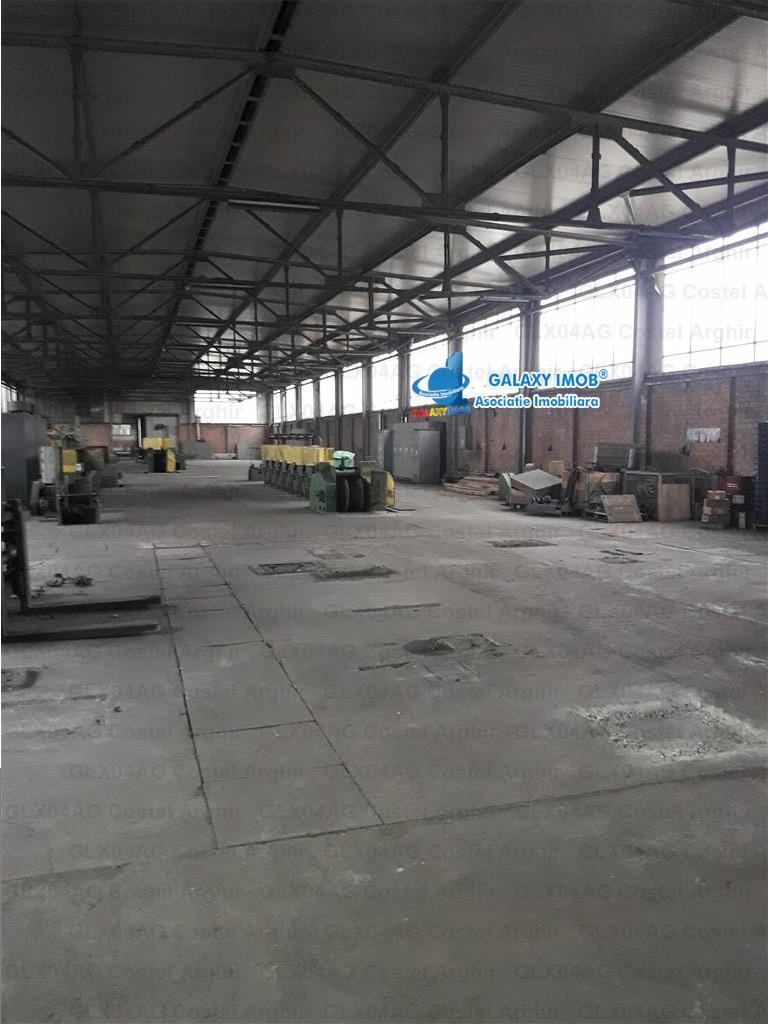 Vand teren industrial cu hale la 13 km de Ploiesti !