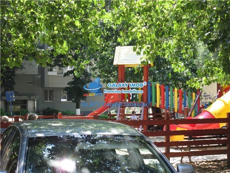 Vanzare apartament 2 camere decomandat Drumul Taberei Materna