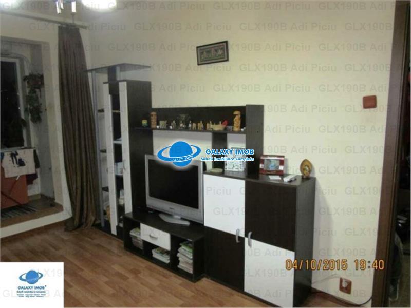 Vanzare apartament 2 camere decomandat Piata Titan