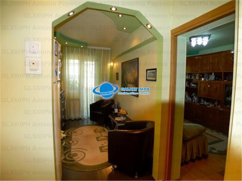 Vanzare apartament 2 camere, in  Ploiesti, zona Marasesti, decomandat.